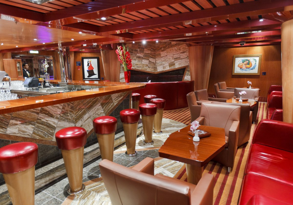 Cognac & Cigar Bar